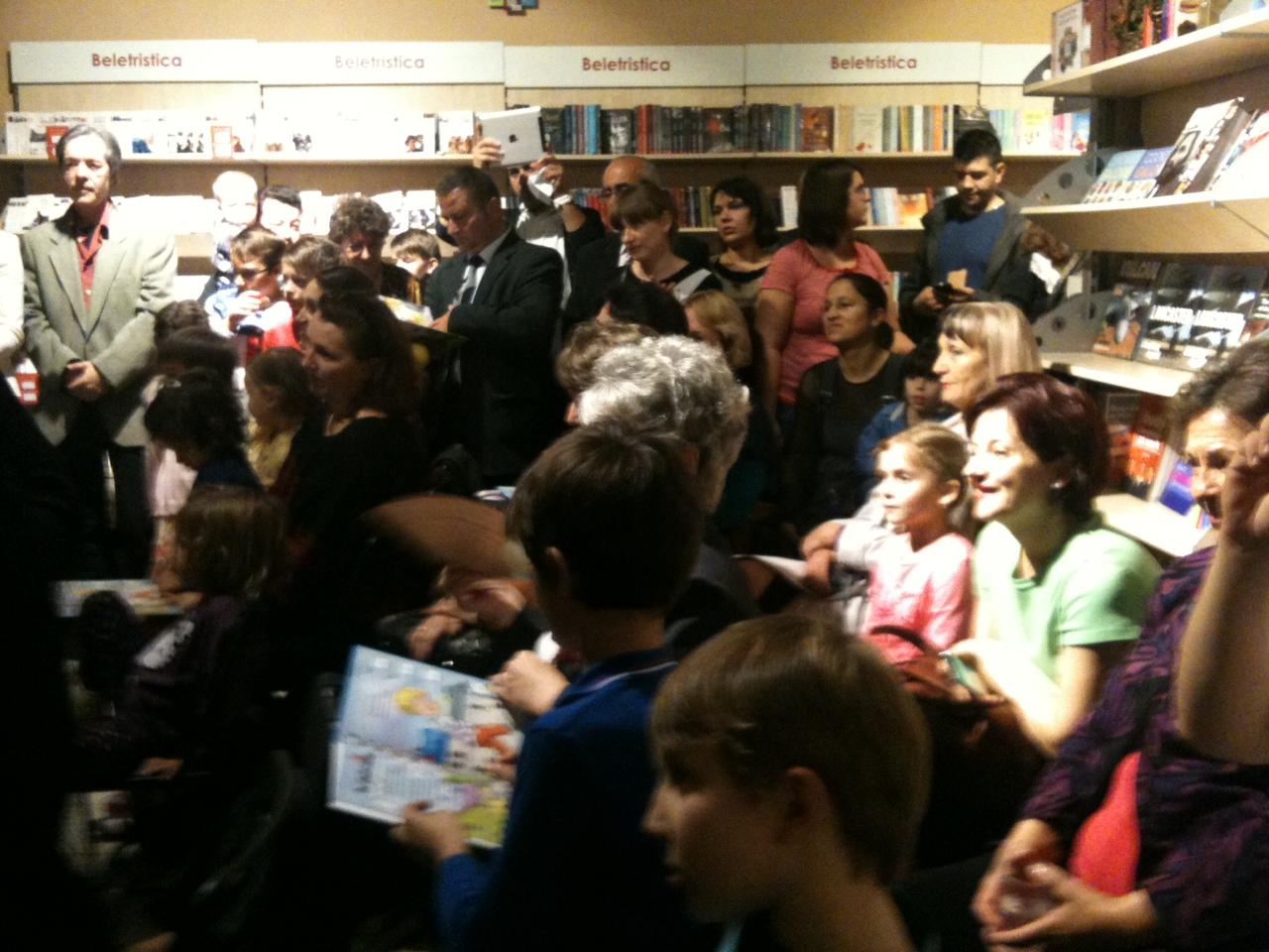 Lansare Poezii pentru cei mici. 18 JPG
